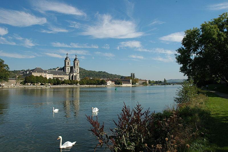 800px-Moselle_Pont-a-Mousson
